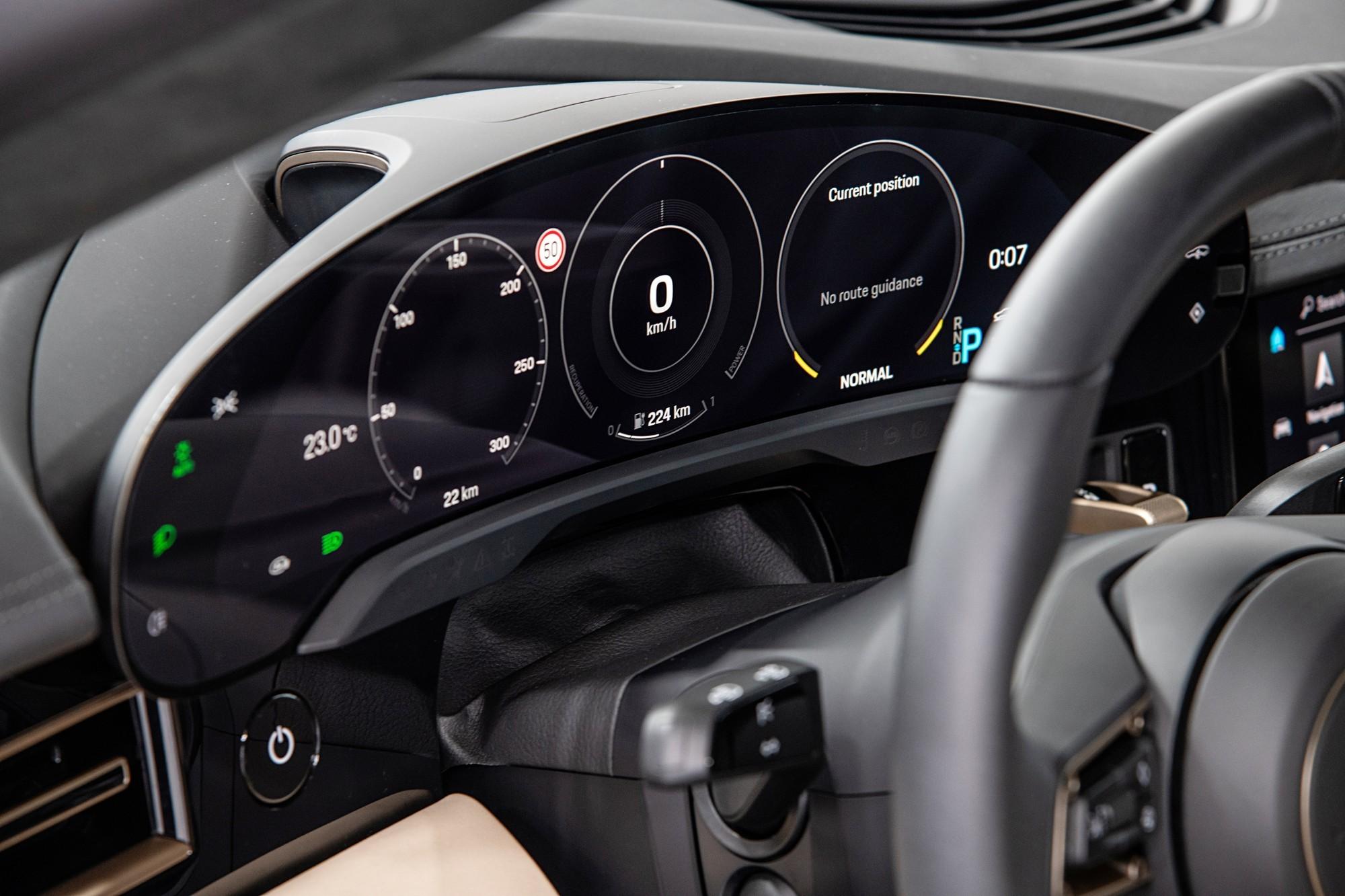 90 секунд до обочины: Porsche отзывает все выпущенные до лета этого года Taycan