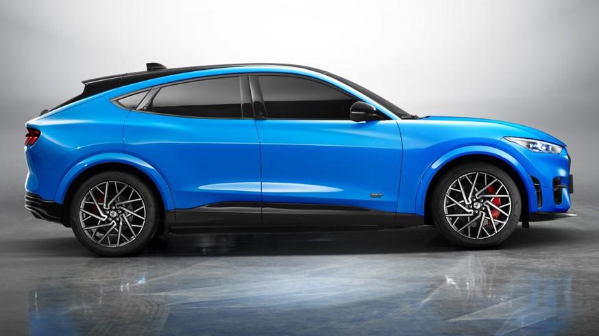 Выпуск Ford Mustang Mach-E стартовал в Китае: двухмоторная установка и запас хода в 600 км