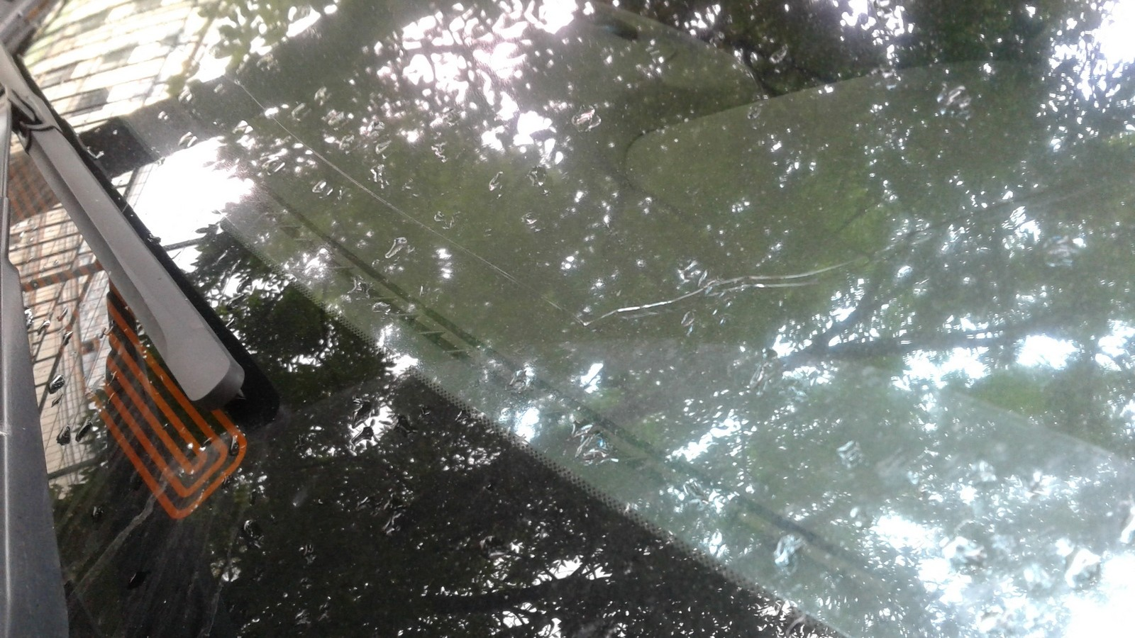Subaru Forester трещина на лобовом стекле
