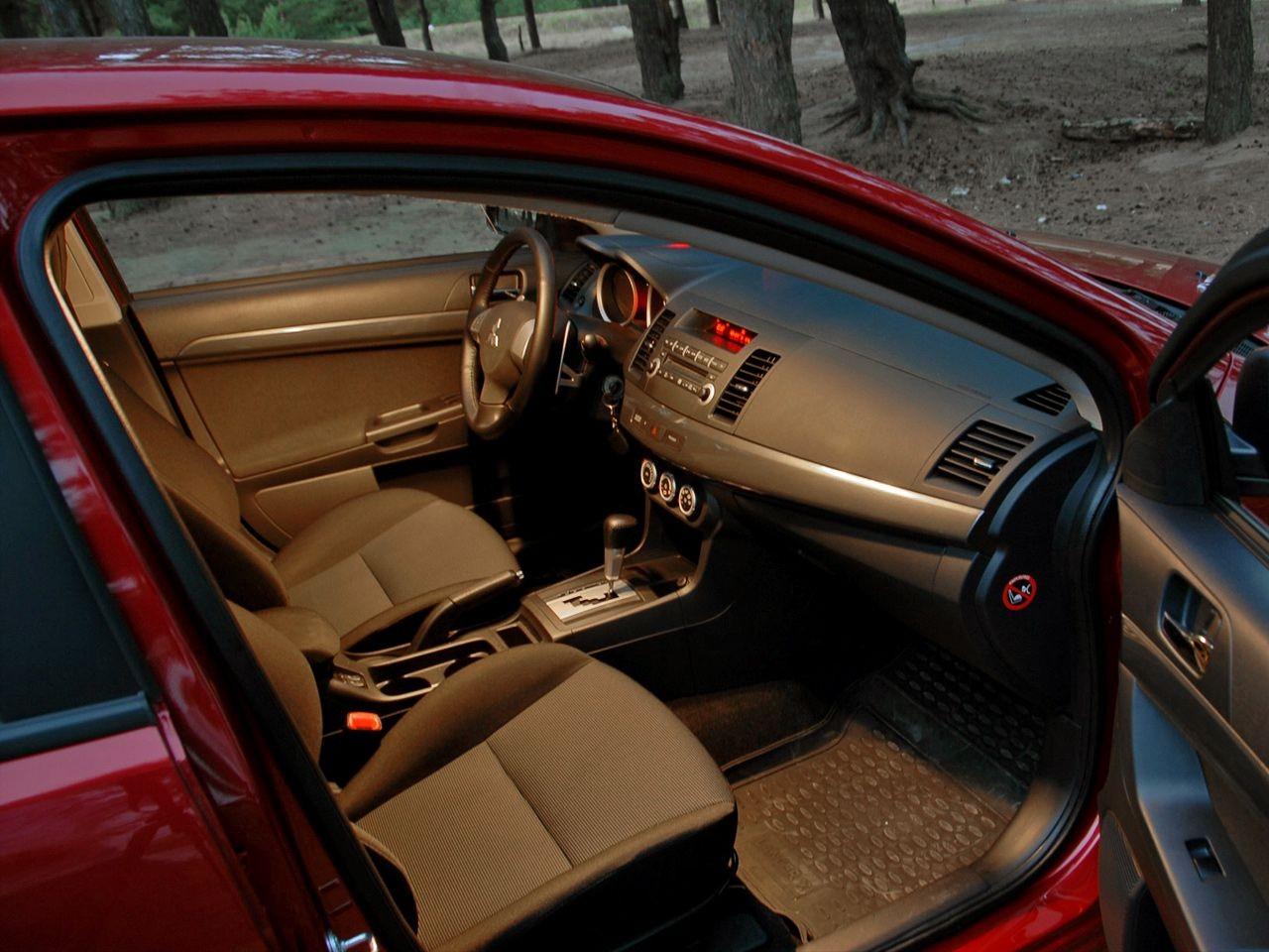 5 причин покупать и не покупать Mitsubishi Lancer X
