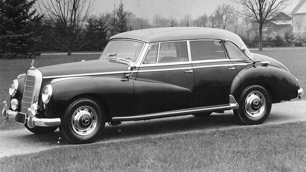 На фото: Mercedes-Benz 300 Cabriolet D (W186) '1951–57