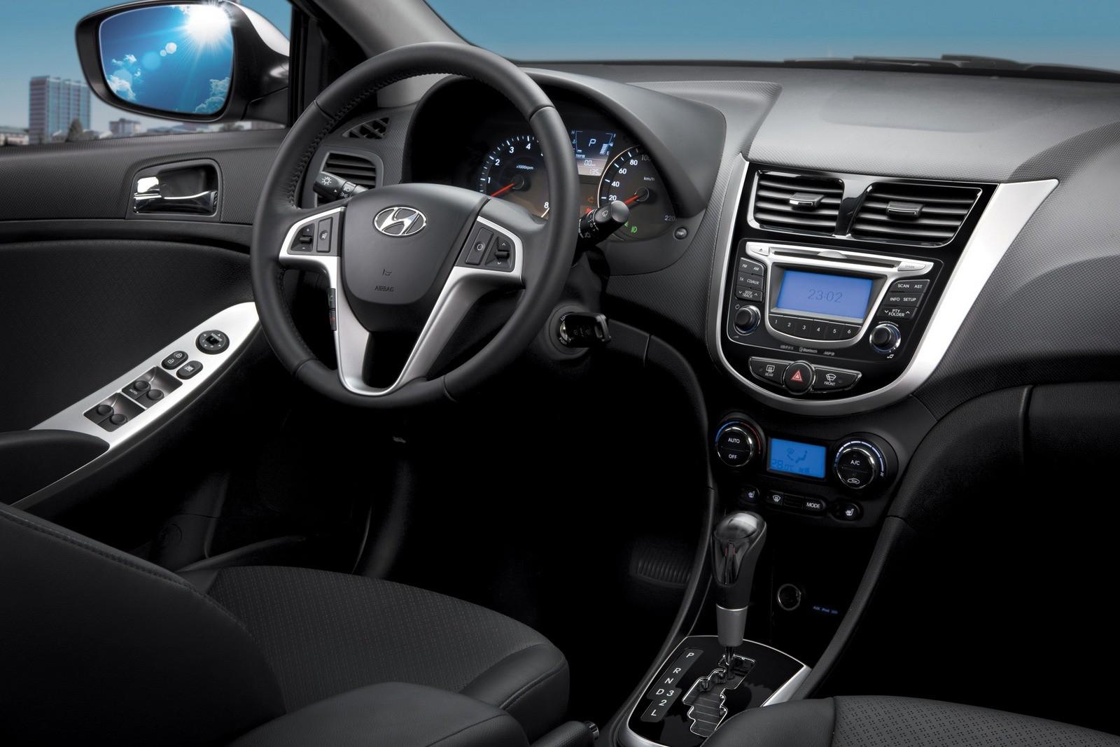 Торпедо Hyundai Solaris (RB) '12.2010–14