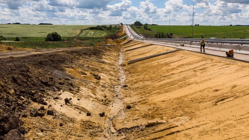 Работы продолжаются и в мороз: реконструкцию платной трассы М-4 «Дон» завершат осенью