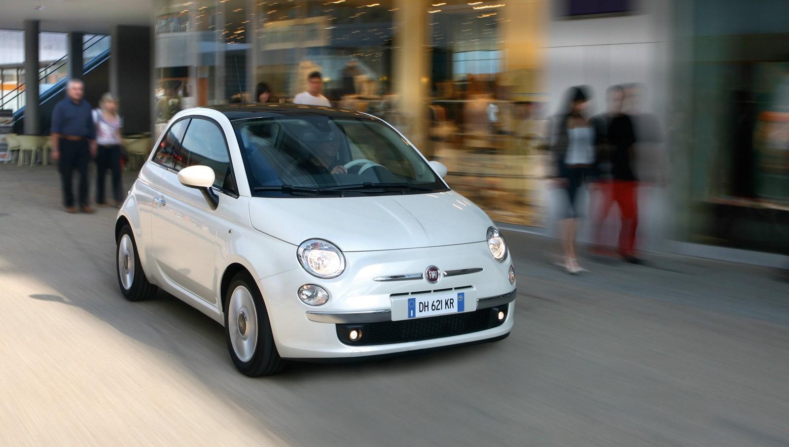 Передняя сторона Fiat 500