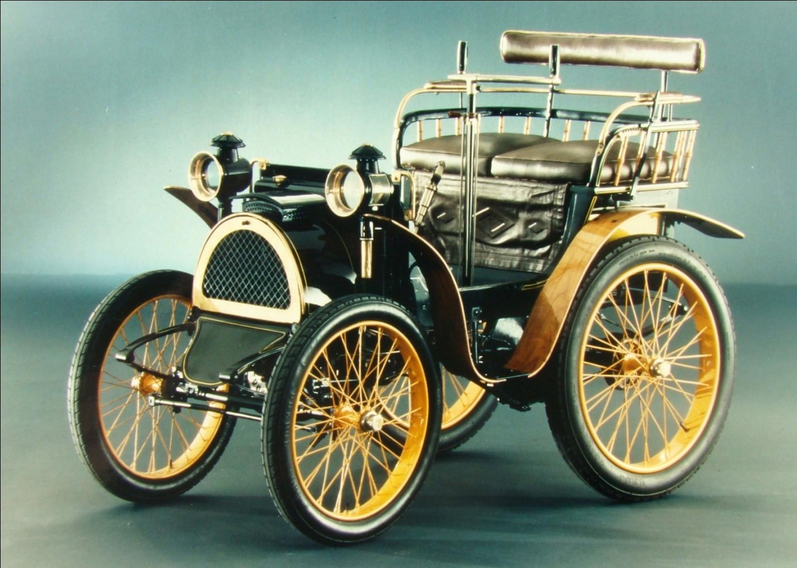 Легкий экипаж Луи Рено с коробкой передач и карданным приводом. 1898 год