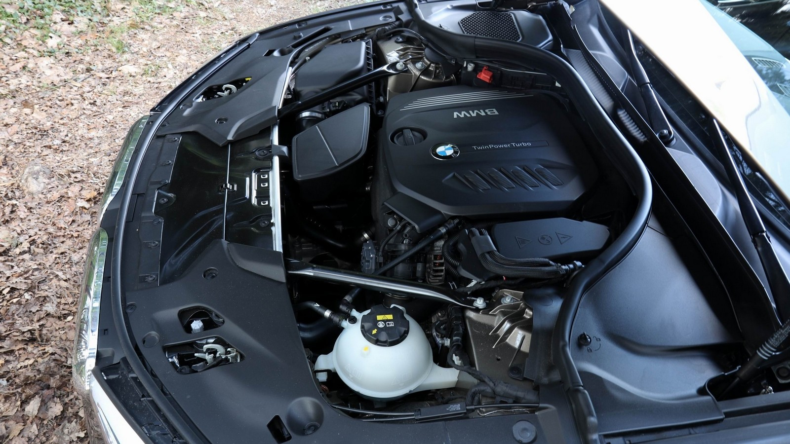Под капотом BMW 520d xDrive Sedan Luxury Line Worldwide (G30) '2017