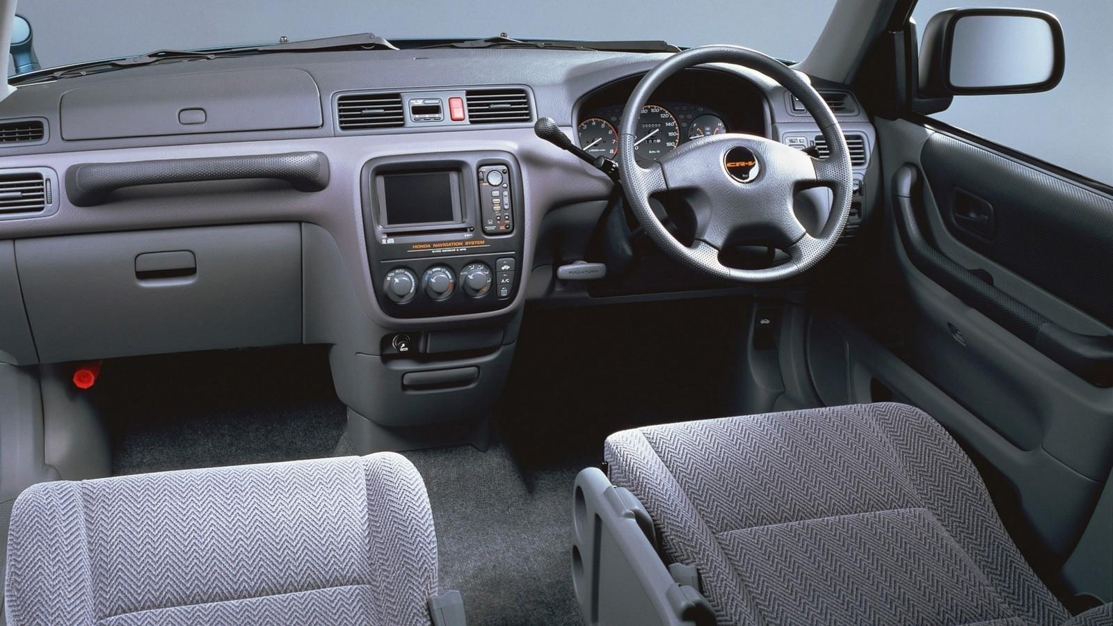 На фото: Салон Honda CR-V