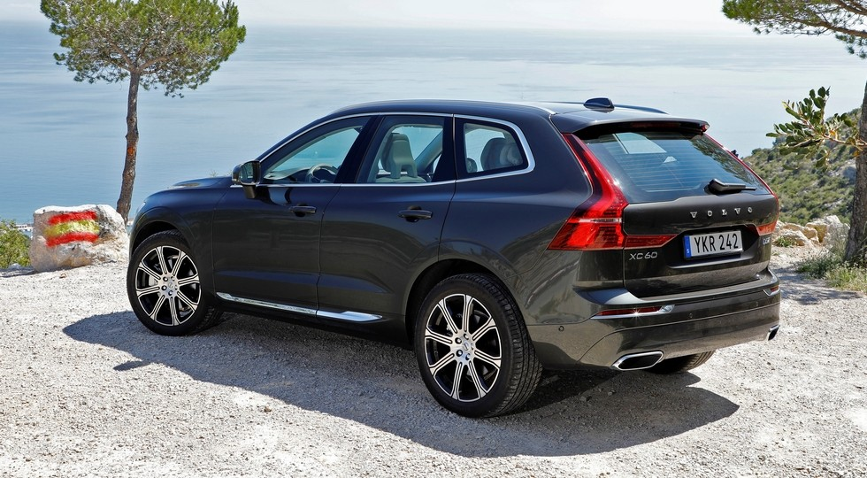 На фото: новый Volvo XC60