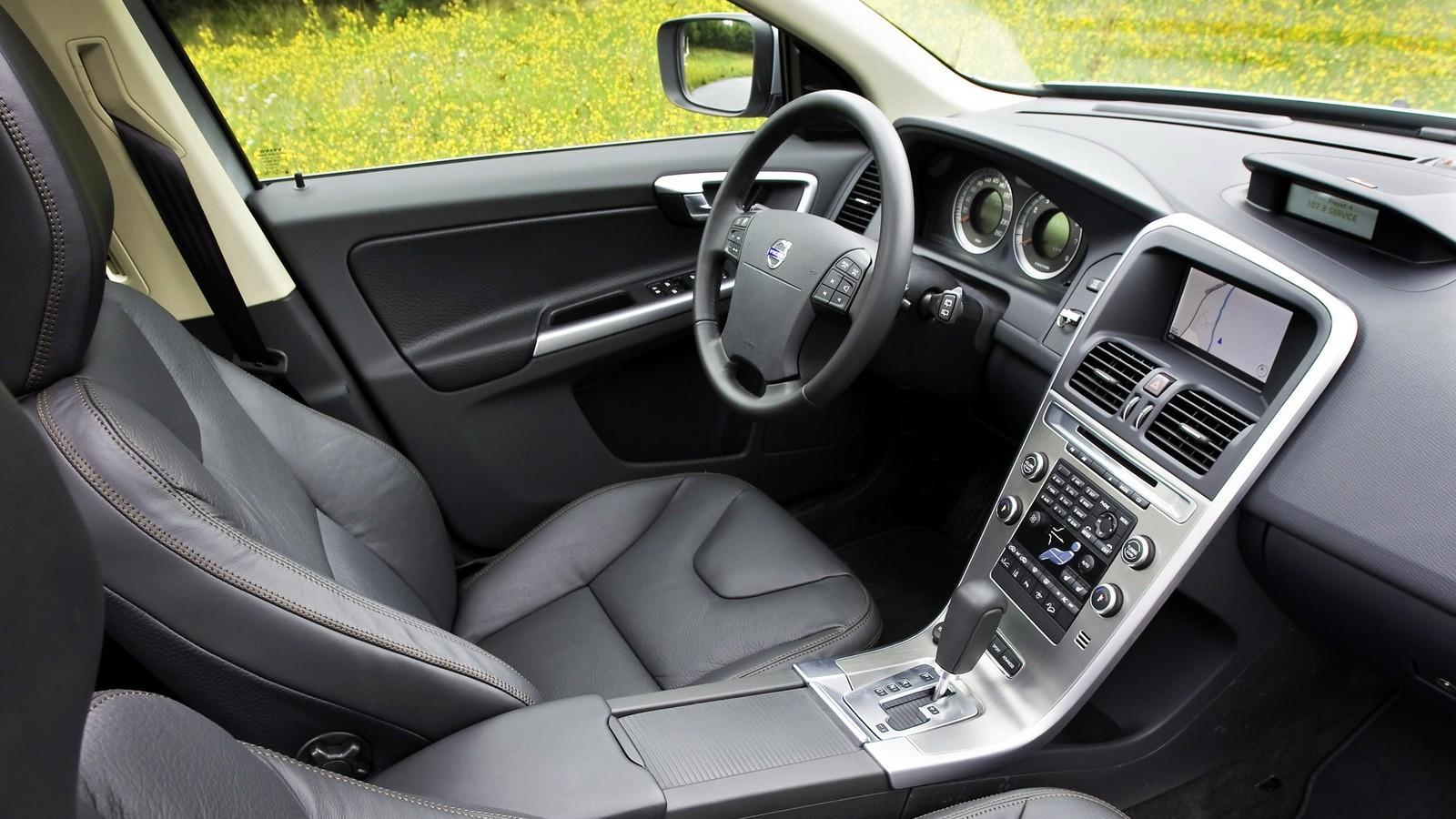 Интерьер Volvo XC60 T6 '2008–13