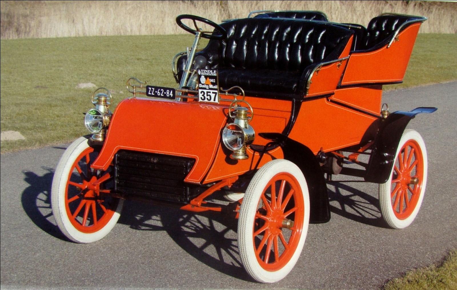 Первый «серийный» автомобиль изобретателя Генри Форда. 1903 год