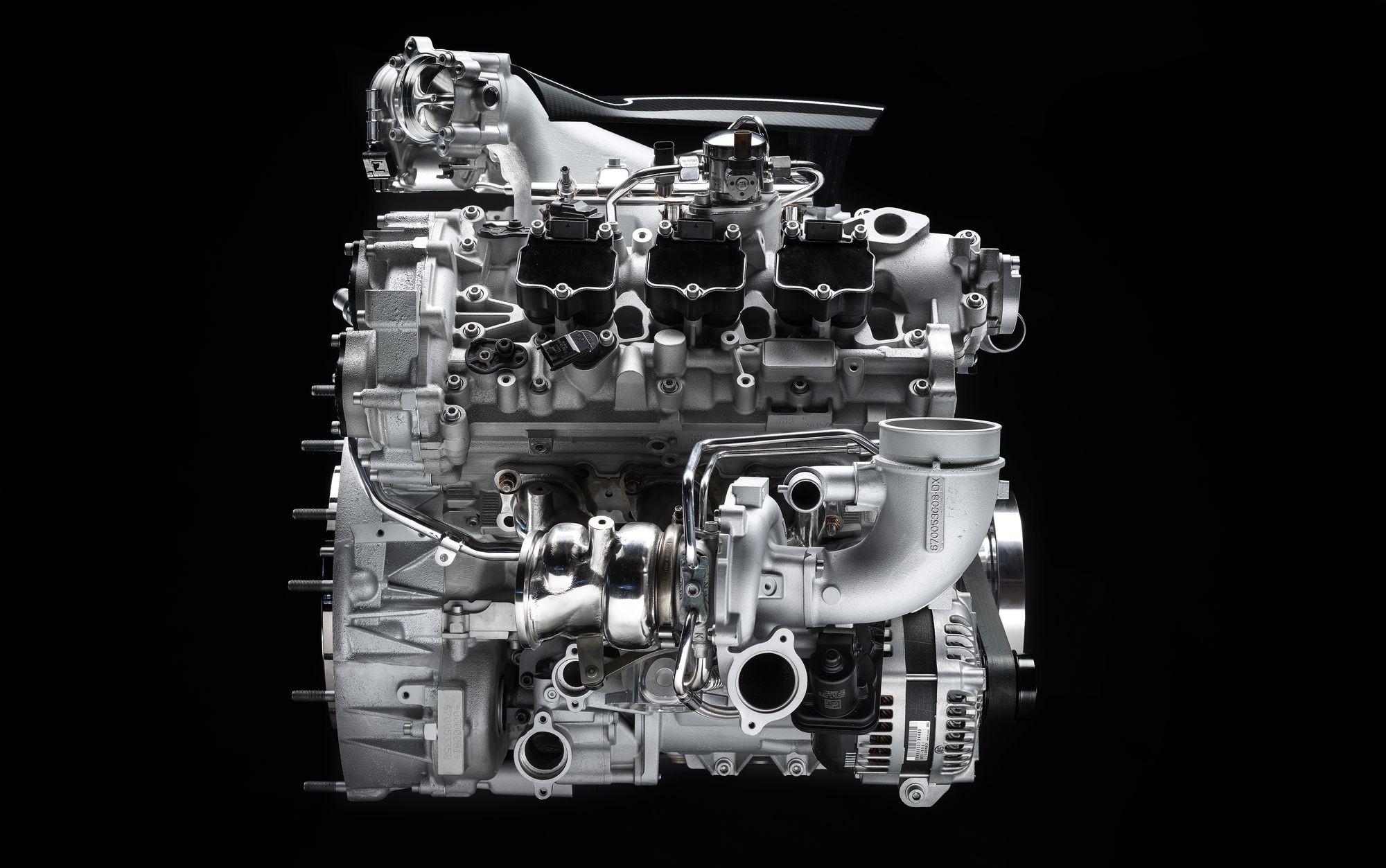 Новый двигатель Maserati V6: «улитки» снаружи, форкамерное зажигание и 2 свечи на цилиндр