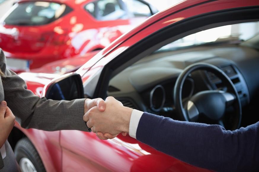 Ставь на учёт сам: автодилеры пока не готовы регистрировать машины в ГИБДД