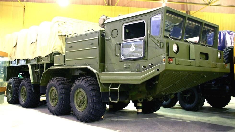 Тягач БАЗ-69531 в Рязанском музее военной автотехники (фото М. Шелепенкова)