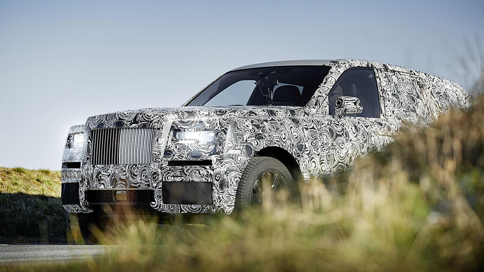 На фото: тестовый прототип Rolls-Royce Cullinan. Cullinan и X7 будут созданы на разных платформах