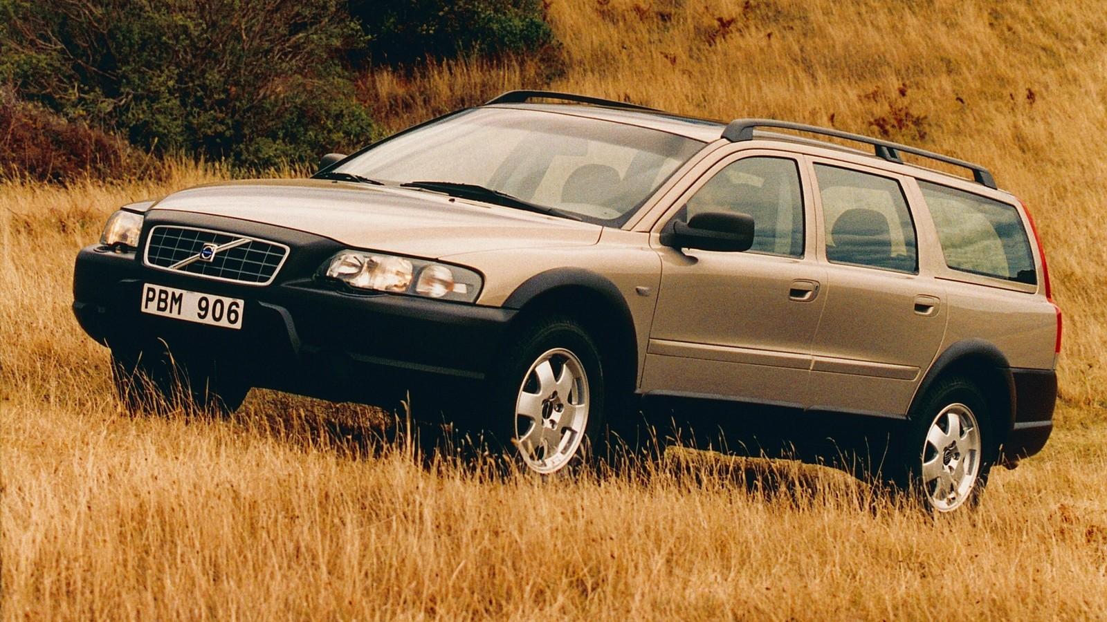 Volvo V70 XC вид три четверти