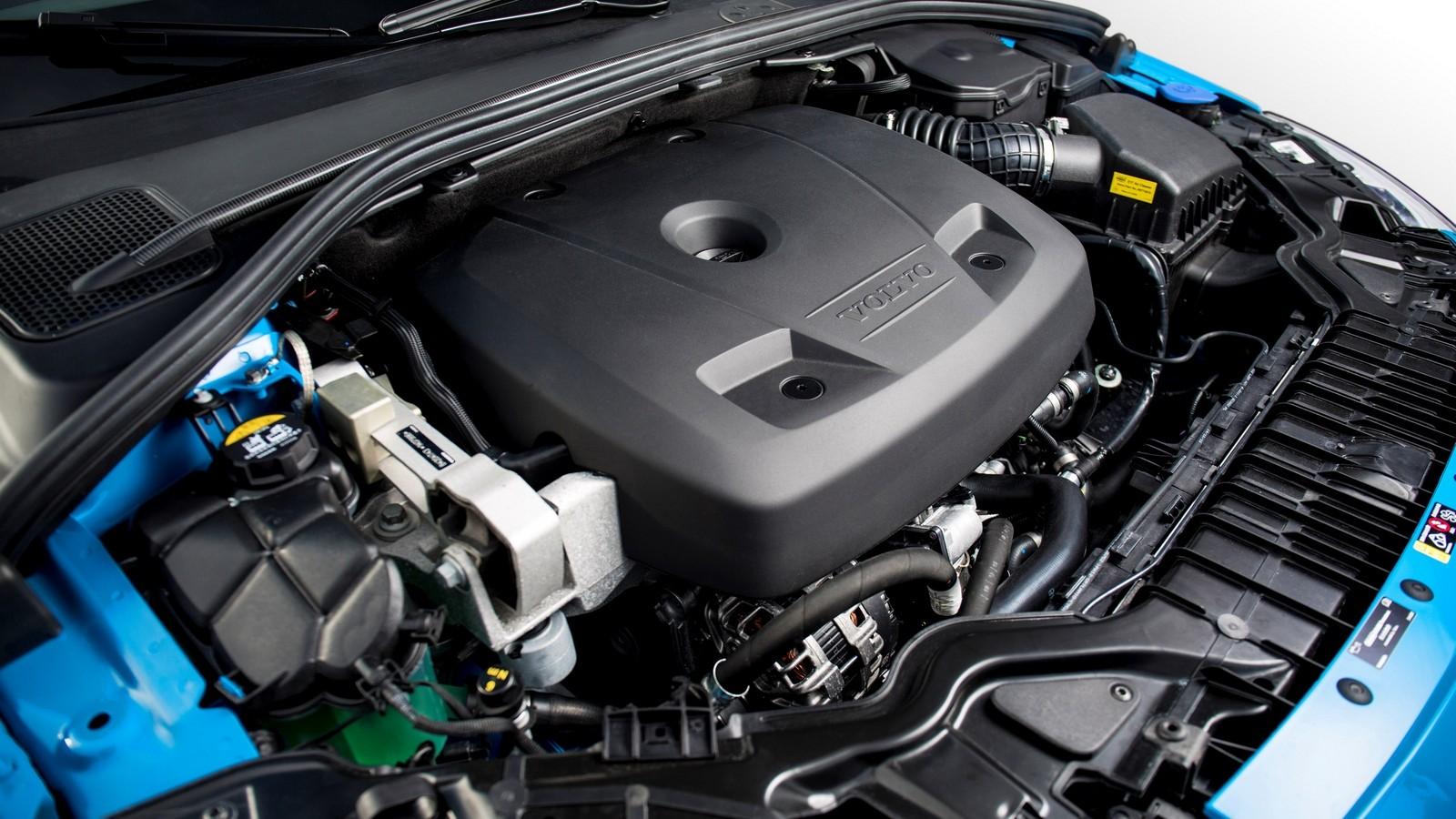 На фото: Под капотом Volvo S60 Polestar '2014–17