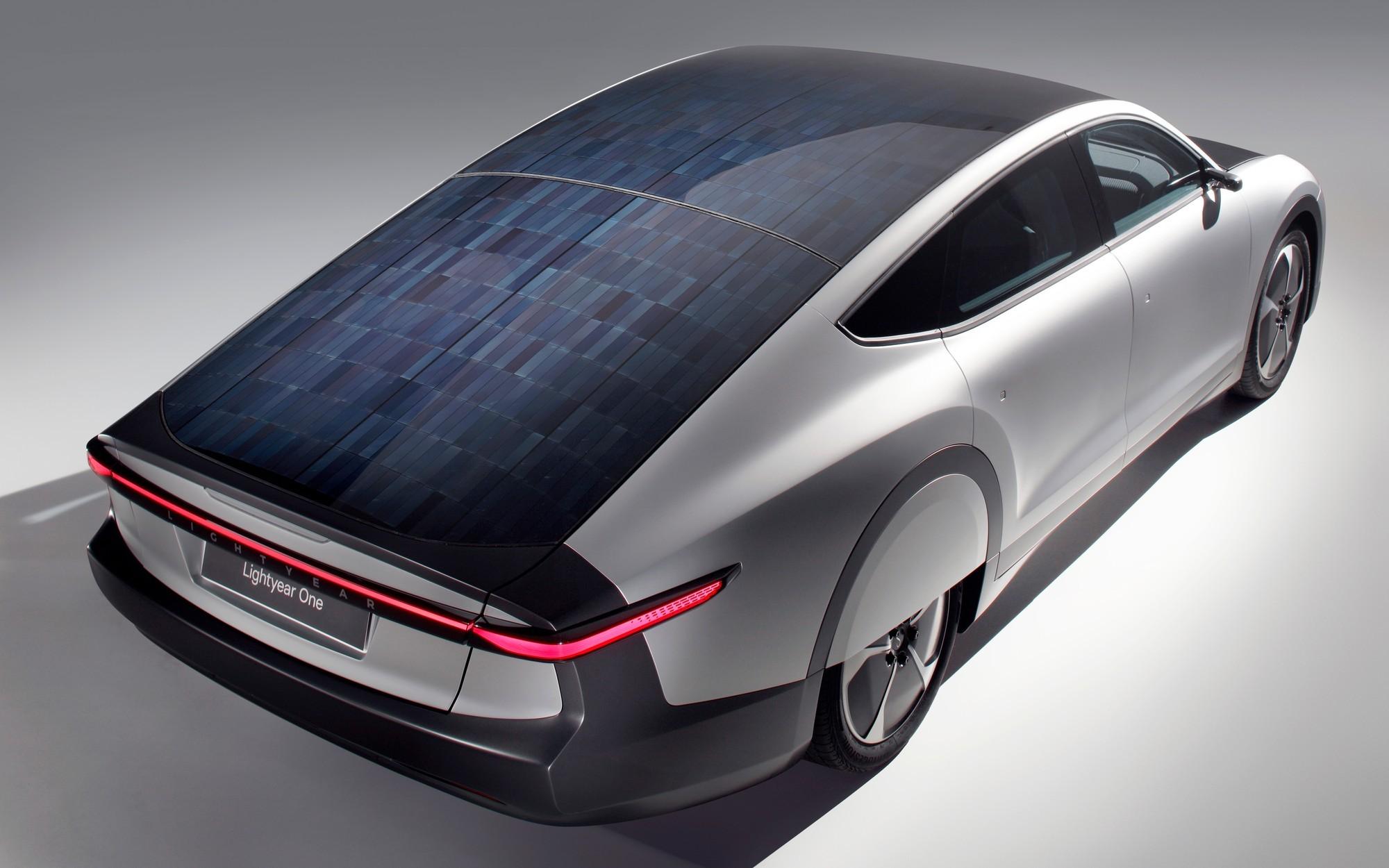 Солнцемобиль Lightyear One задерживается, цена выросла, сборку перенесли на Valmet
