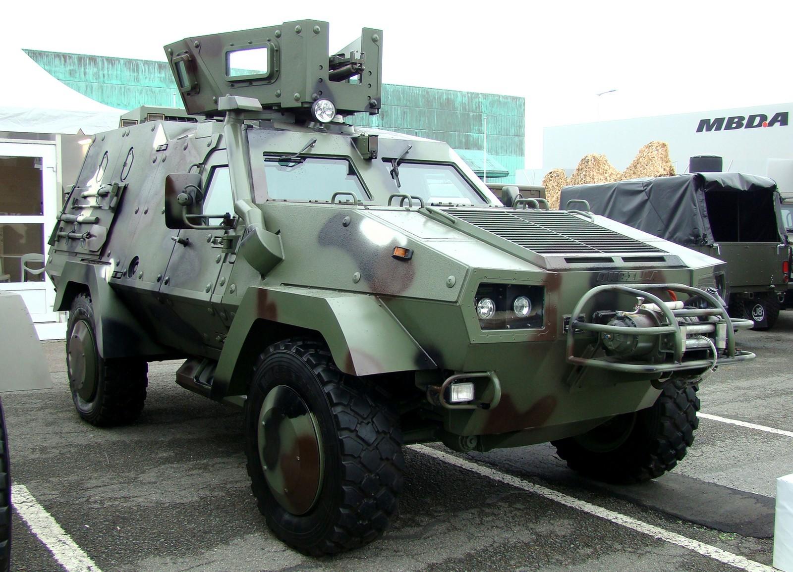 Кипрская 9-местная бронемашина Lacenaire Oncilla с башенным модулем