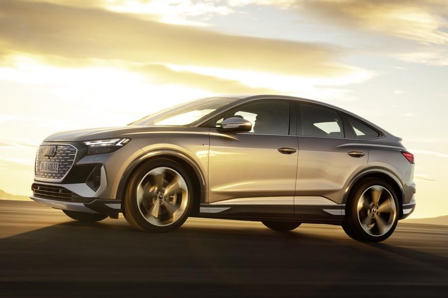 Audi рассекретила кроссовер Q4 e-tron и его купеобразную версию с приставкой Sportback