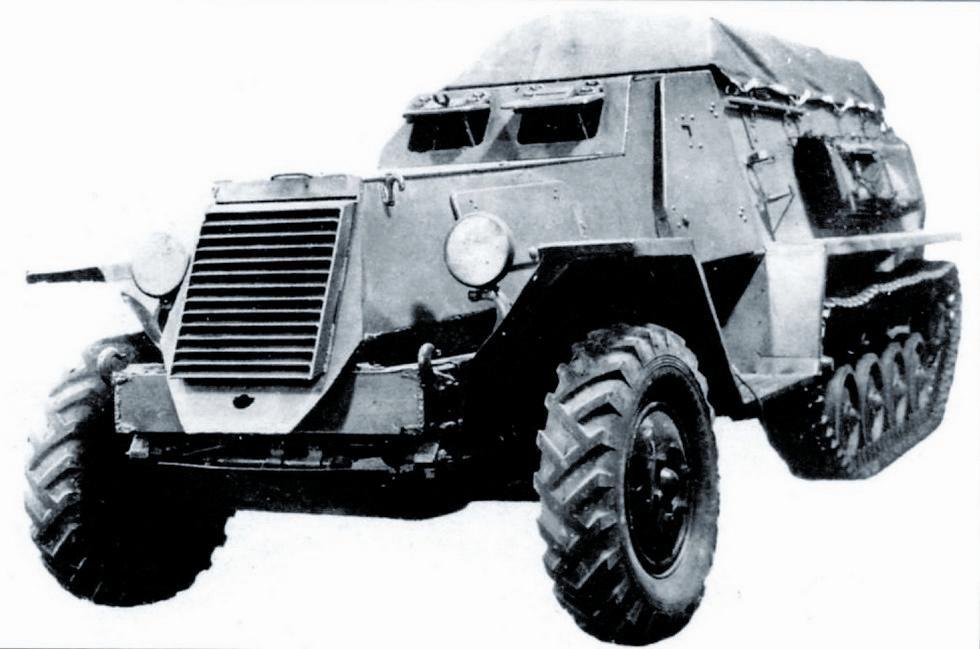 Опытный полугусеничный бронетранспортер Б-3 с пулеметом калибра 12,7 мм. 1944 год