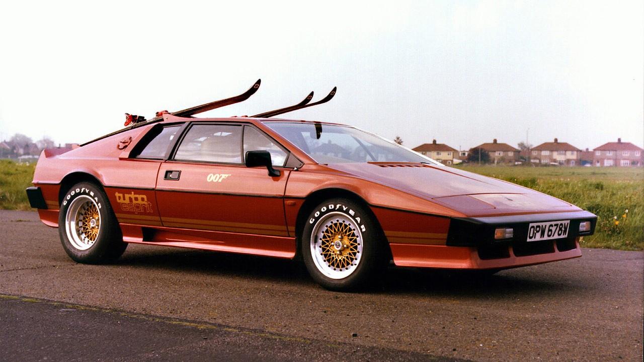 Классический Mini теперь доступен в ливрее Lotus Esprit Turbo Джеймса Бонда