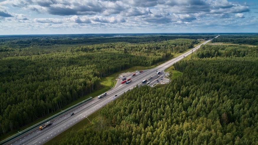 На платной трассе М-11 «Нева» снова изменился скоростной режим: теперь 130 км/ч