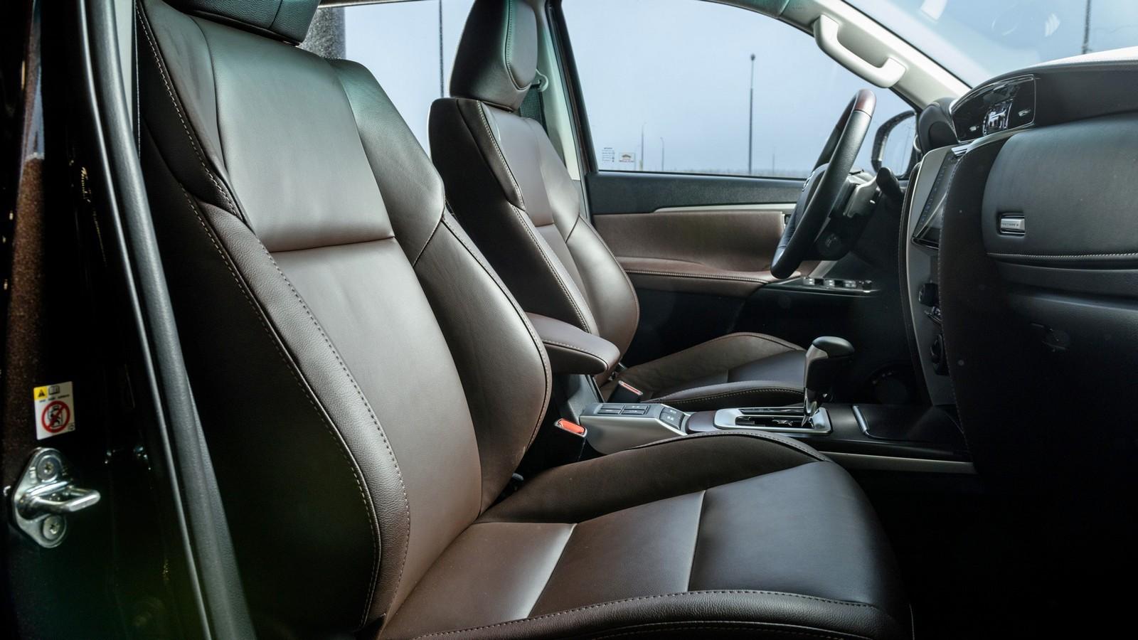 Toyota_Interior_40