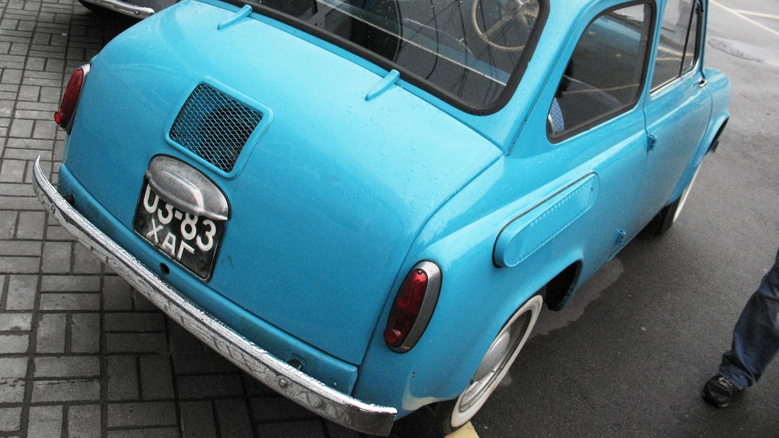 Такой-капот-был-у-ЗАЗ-965-второй-серии