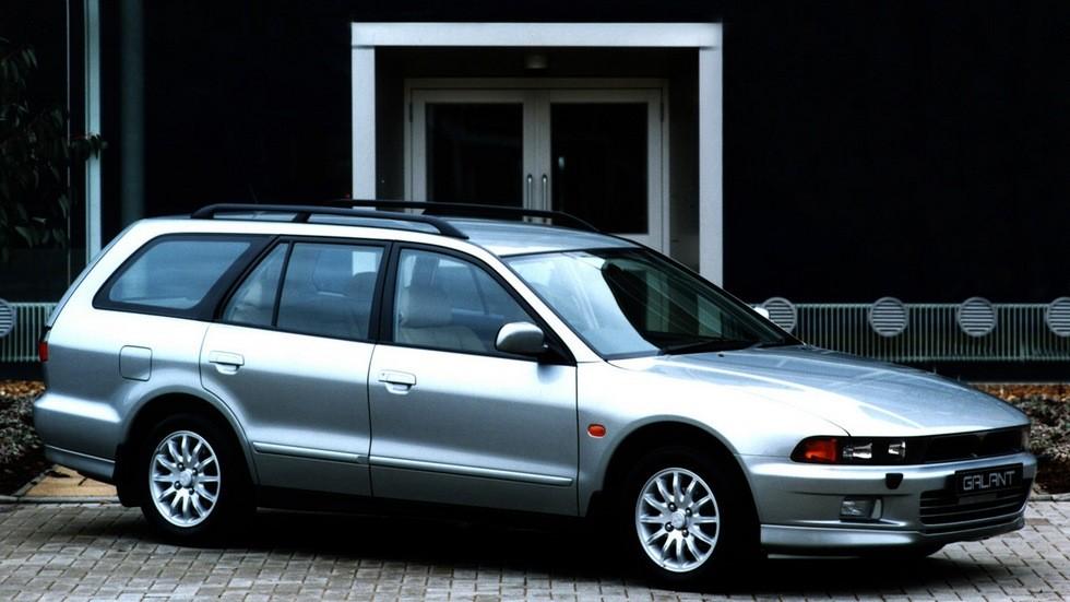 На фото: Mitsubishi Galant Estate '1997–2003