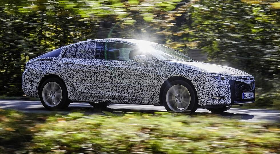 На фото: тестовый прототип Opel Insignia нового поколения