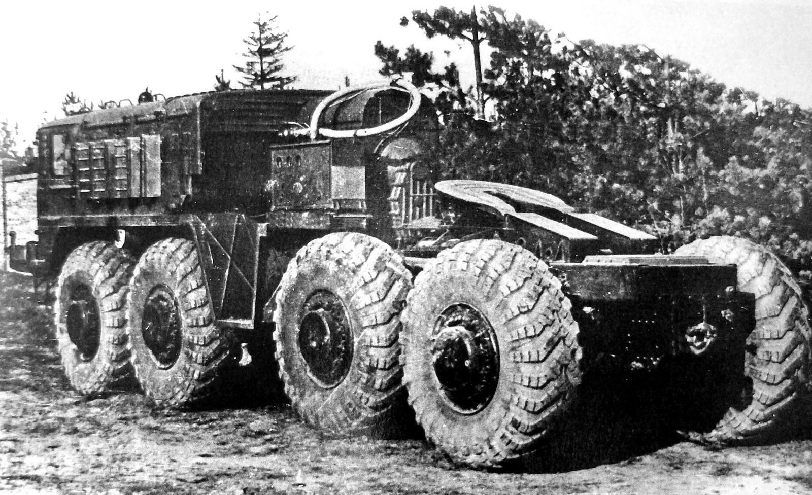 МАЗ-537Д с автономным электрогенератором и спецоборудованием (из архива А. Новикова)