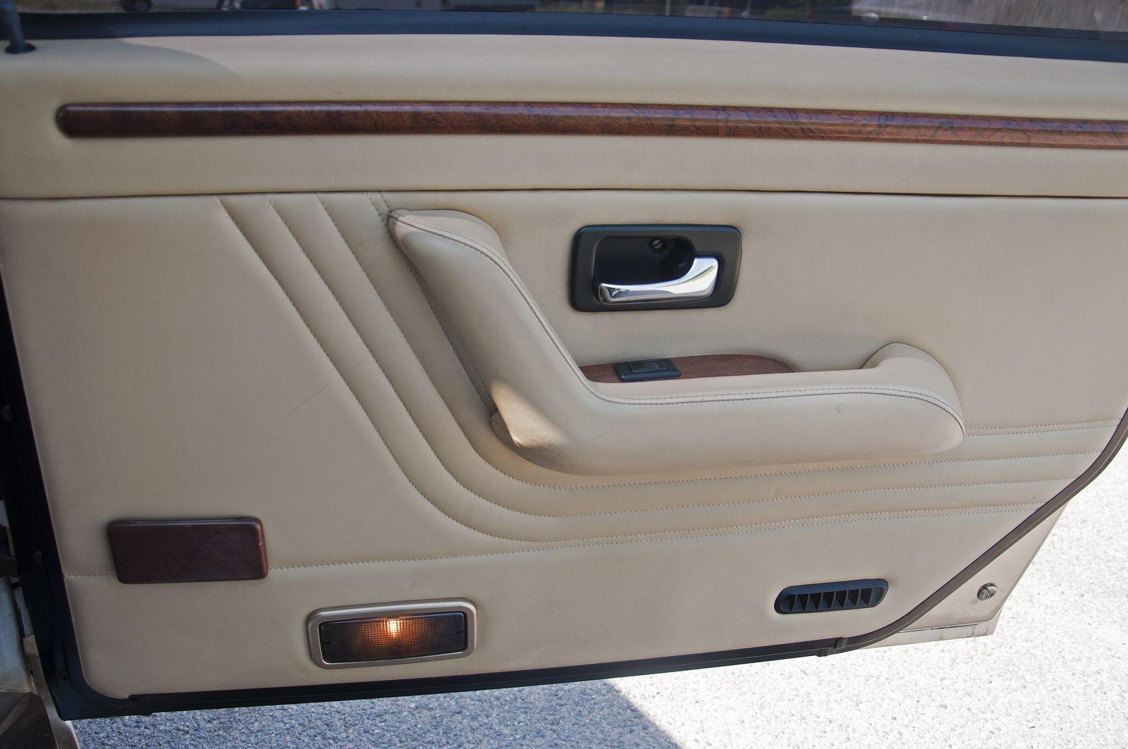 В харизме надо родиться: тест-драйв Tatra 700 Виктора Черномырдина