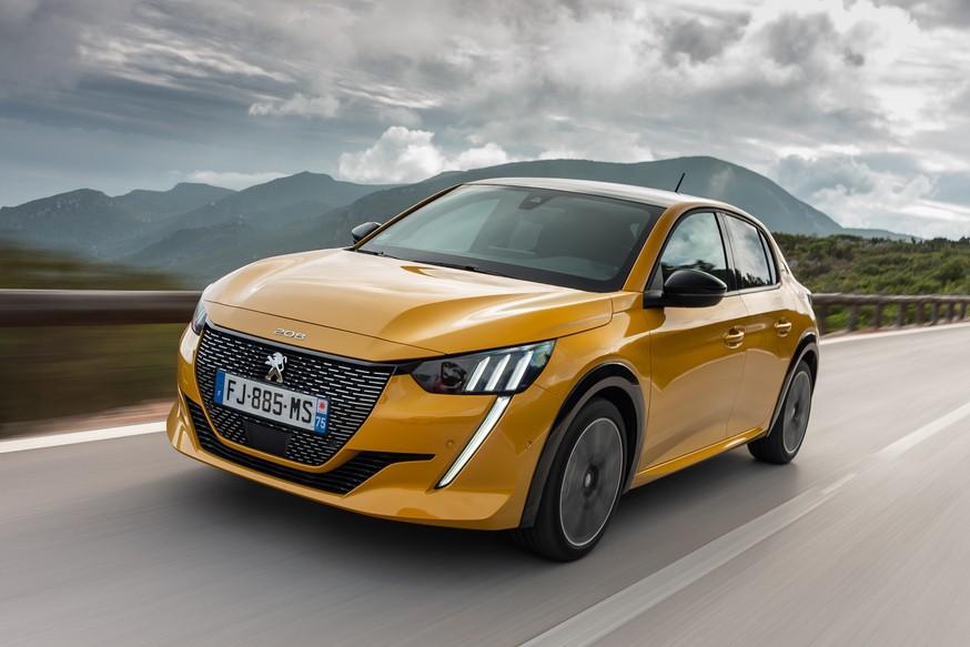Peugeot 208 стал авто года позади и главный конкурент от Renault и дорогие электрокары
