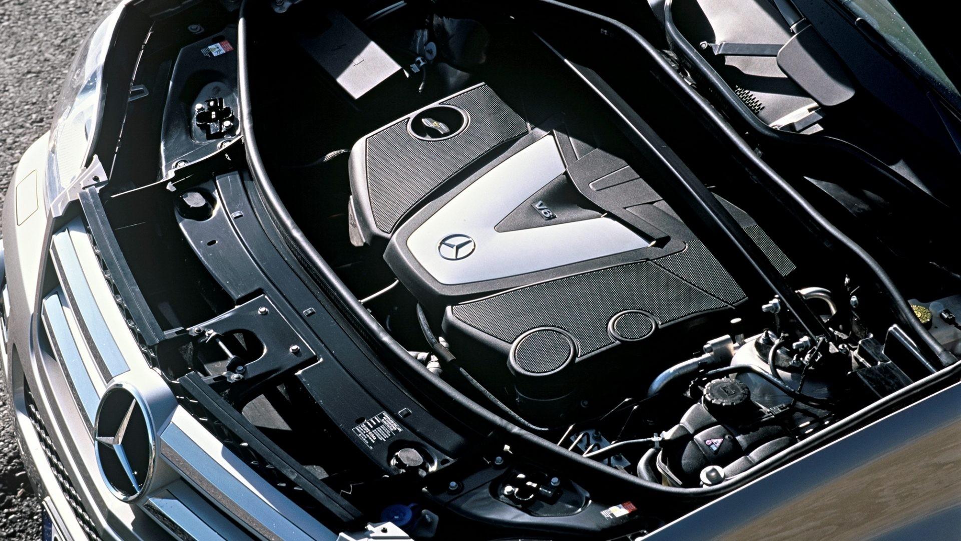 На фото: Mercedes-Benz OM642