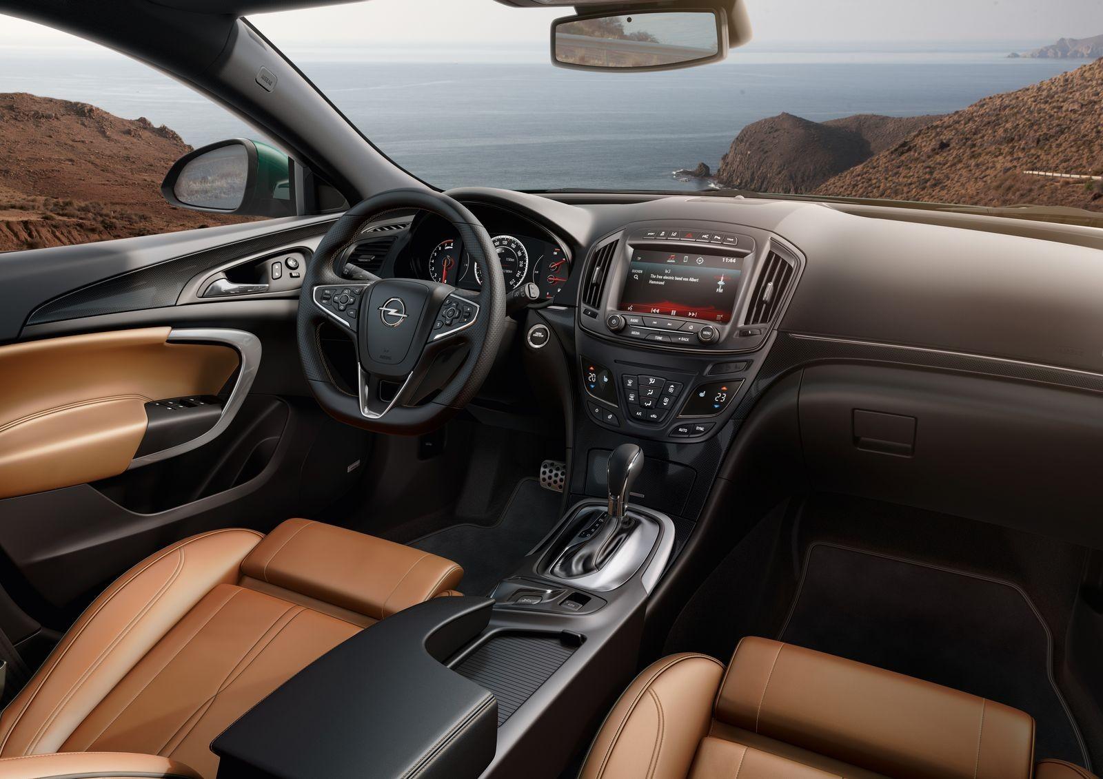 Лучший Opel, который никто не покупал: стоит ли покупать Opel Insignia за 1 миллион рублей