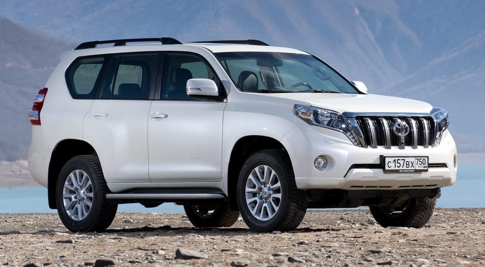 На фото: Toyota Land Cruiser Prado