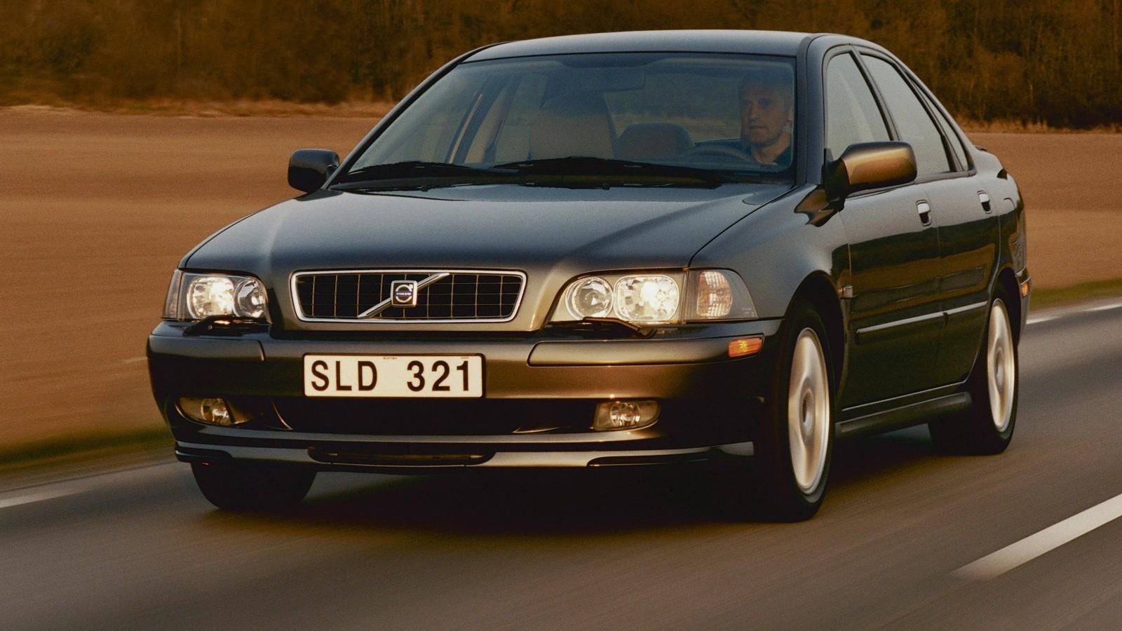 На фото: Volvo S40 '2002–04