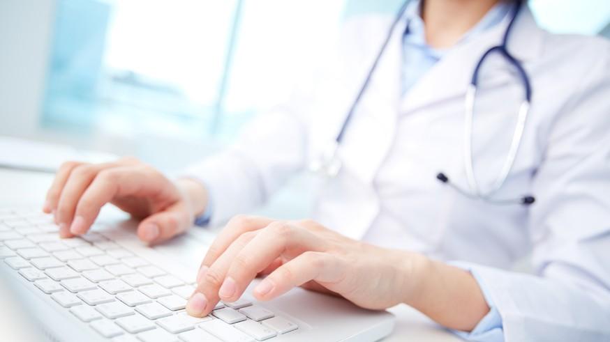 Медики известят ГИБДД о болезнях водителей, а справки переведут в электронный формат
