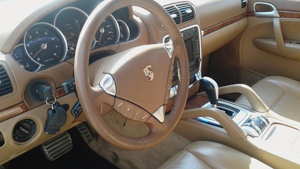 Porsche Cayenne интерьер
