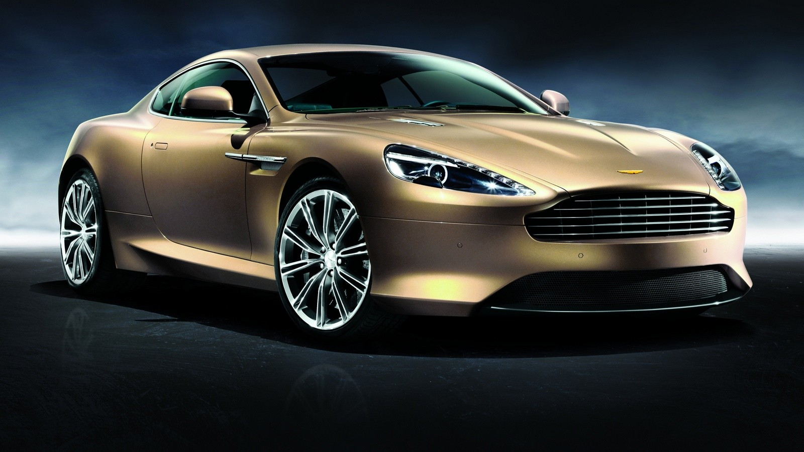 На фото: Aston Martin Virage Dragon 88 '2012