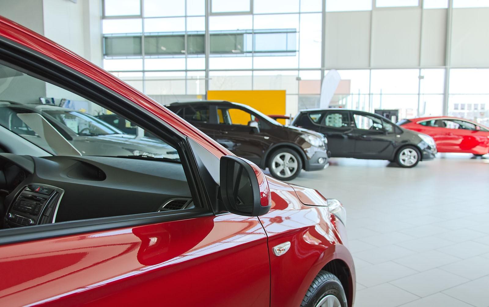 Опрос Автотеки: автомобиль необходимо менять при пробеге от 100 тыс. км, считает большинство российских автовладельцев