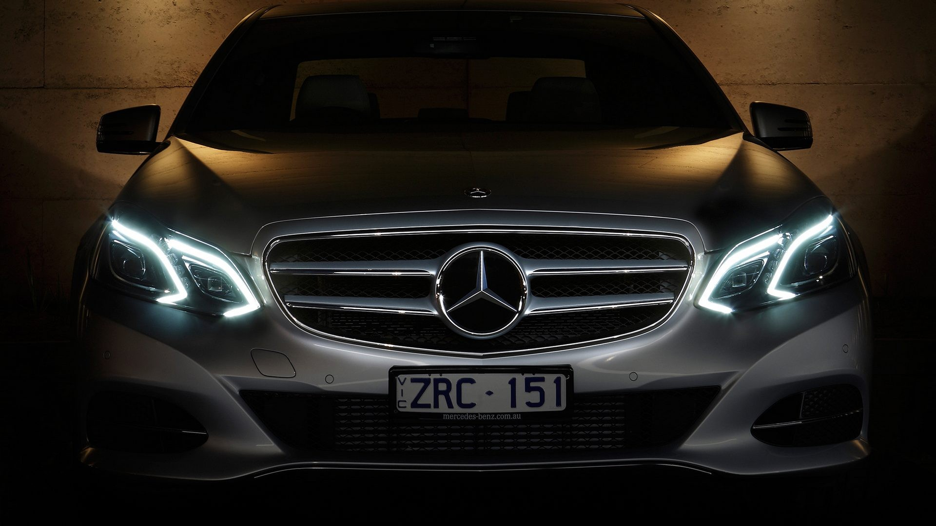 На фото: Mercedes-Benz E 250 CDI AU-spec (W212) '2013–н.в.