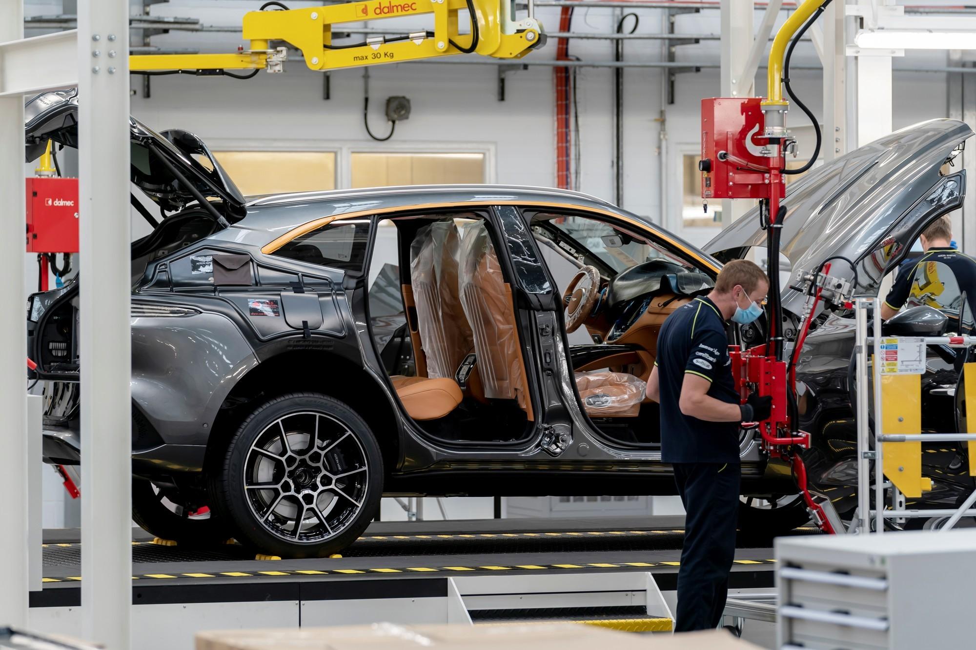 И всё-таки вместе: Aston Martin и Daimler расширяют сотрудничество