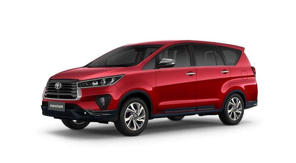 Toyota обновила родственный Fortuner минивэн Innova: уже в продаже, но не там, где ждали