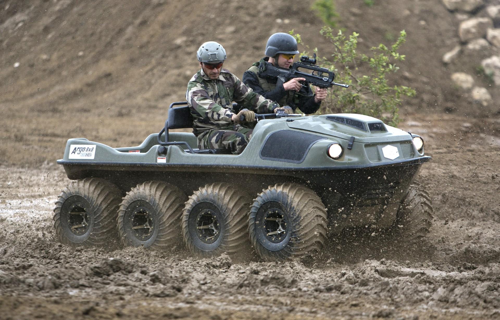 Демонстрационные испытания плавающей боевой машины Argo-750HDI