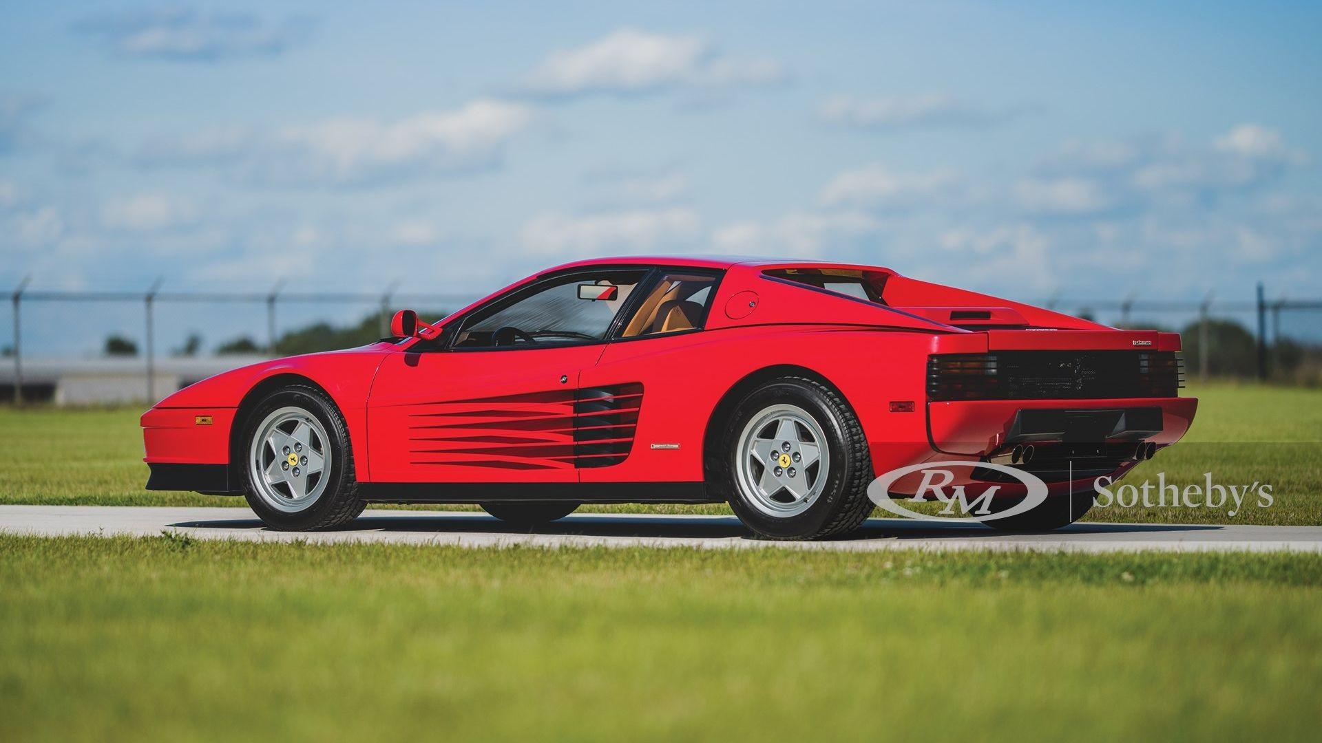 Легендарная Ferrari Testarossa с маленьким пробегом выставлена на продажу