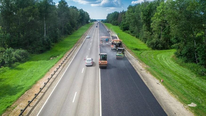 Любителям быстрой езды: скоростной лимит на платных трассах хотят увеличить до 150 км/ч