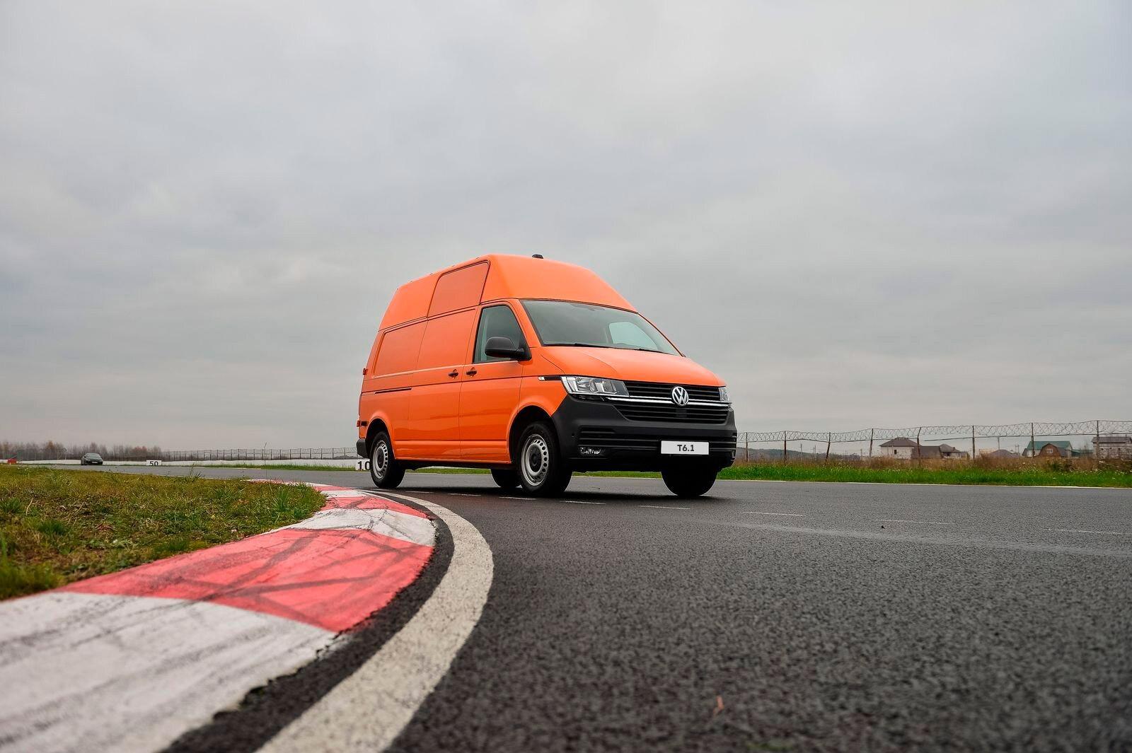 Шаг налево: лосиный тест Volkswagen Transporter T6.1
