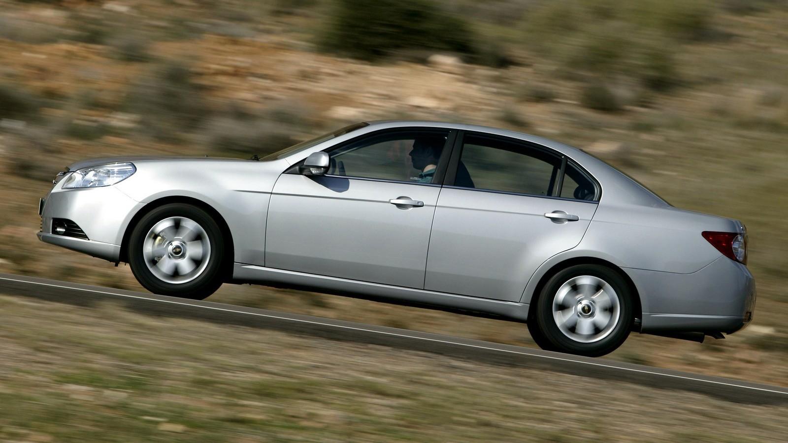 Chevrolet Epica (V250) '2006–08 сбоку на ходу