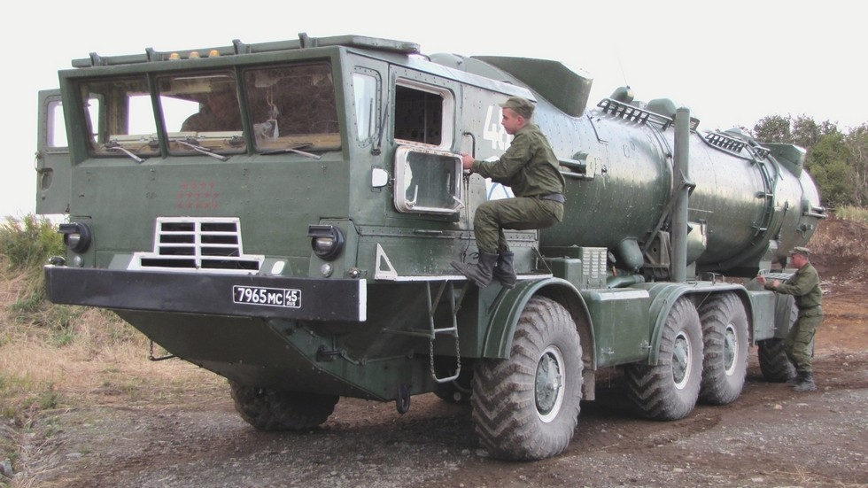 Пусковая установка СПУ-35Б комплекса «Редут» (фото Д. Мокрушина, Владивосток)